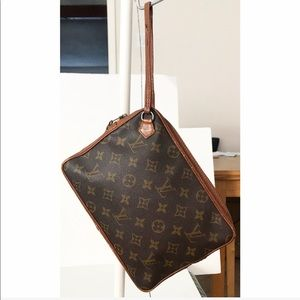 💯Authentic Louis Vuitton Sac Clutch Wristlet Bag